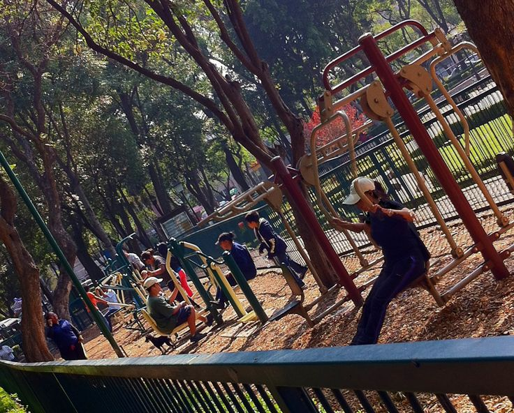 #Community #fitness takes over #MexicoCity #greenspaces #fitnesscommunities #crossfit #Mexico #millennialtrends #healthtrends