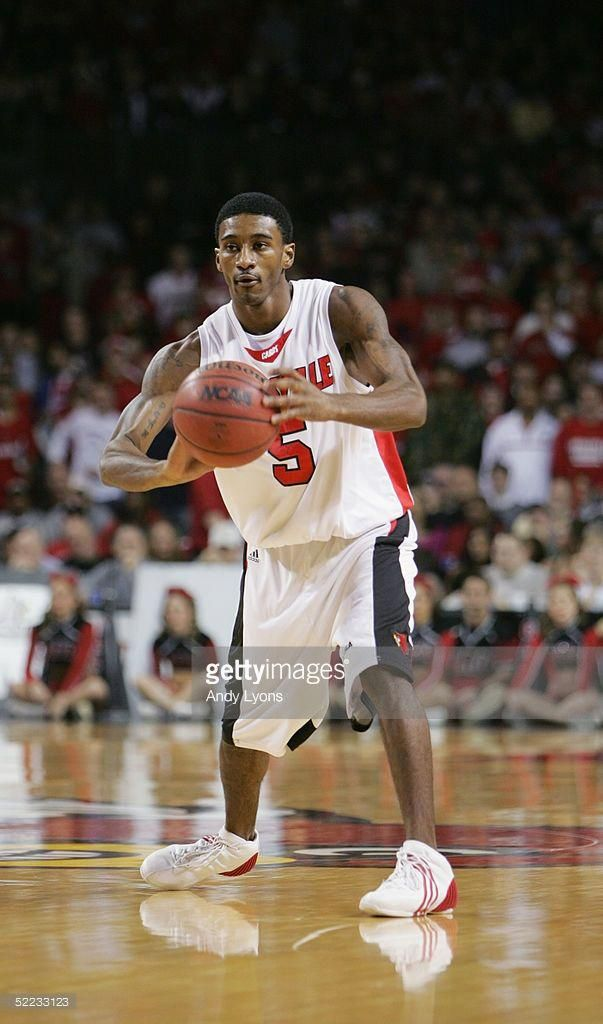 Taquan Dean 5 Of The University Of Louisville Cardinals Controls