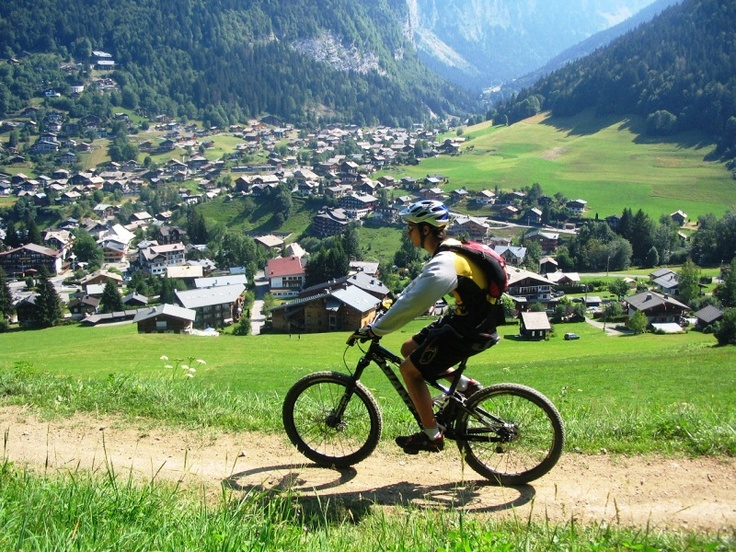 Bike hire Morzine - rent a bike for a perfect vacation http://www.morzine-mtb.com/bike-hire #biking #vacation #holiday