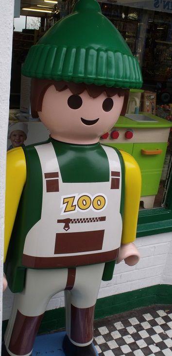 Playmobil g ant homme soigneur du zoo bo te playmobil g ant playmob - Playmobil geant decoration ...