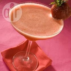 Frozen strawberry daiquiri recipe  mash up strawberrys and shake in a cocktail shaker - SO GOOD