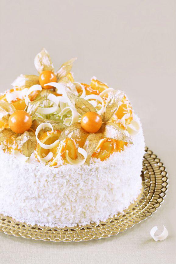 Бразильский апельсиновый торт. Кусный крем: 250 мл апельсинового фреша 2,5 ст.л. кукурузного крахмала 1/2 банки (190г) сгущенного молока (без добавления растительных жиров) цедра 1/2 апельсина 150 мл сливок 33-35%