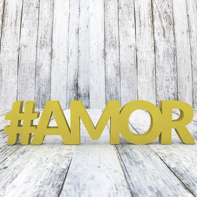 #AMOR Palavra decorativa confeccionada em MDF de 18mm medindo 13cm de altura…