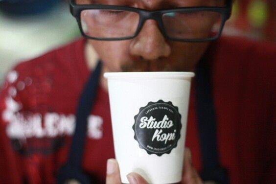 #AyoBangunPagi #AyoNgopiPagi start senin-kamis tgl 24-27 november jam 6 pagi - 10 pagi, all varian coffee (espresso, americano, cappuccino) harga Rp 5,000