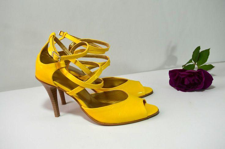 Žluté svatební boty, žlté svadobné topánky, Yelow bridal shoes, K-styl, model v štýle sultanky. Navrhni a uprav si topánky podľa seba.