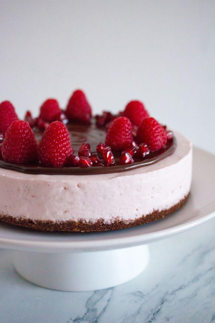 SUGARTOWN: Nepečený dort z granátových jablíček/Pomegranate mousse cake