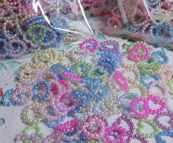 Corazoncitos en perlitas para decorar