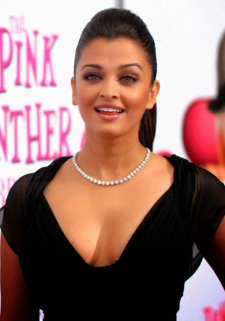 celebstills: Aishwarya Rai Bachchan Delicious Cleavage Show