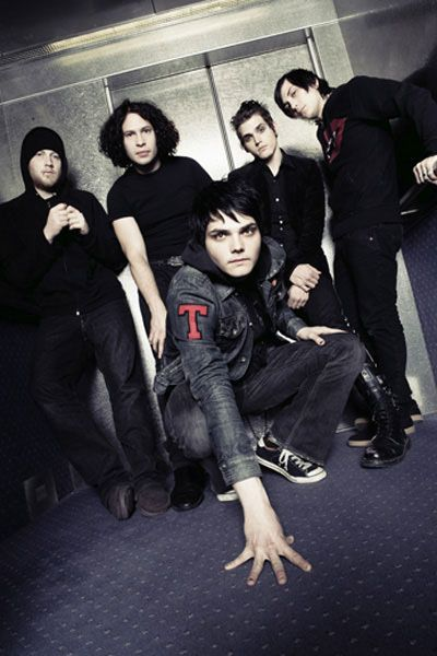 day 13: a band I want to see live// my chemical romance I WISH UGH<<< *cries*