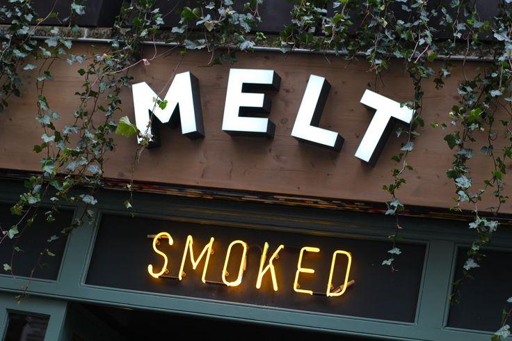 Smokehouse MELT : concept de barbecue texan à Paris. La technique consiste à fumer la viande durant de longues heures à basse température.
