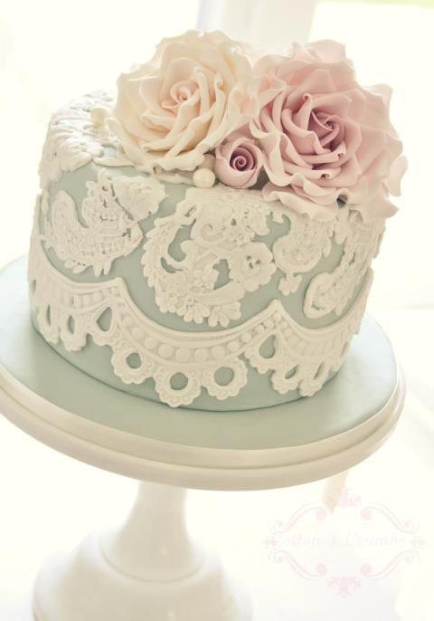 Inspiração de bolo para um noivado ou mini wedding! www.blogrealizandoumsonho.com.br