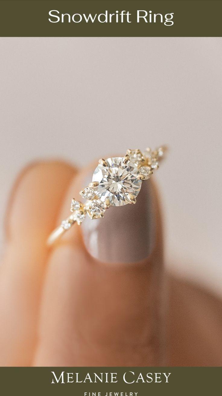 Wedding Rings Simple, Beautiful Wedding Rings, Wedding Rings Vintage, Gold Wedding Rings, Expensive Wedding Rings, Classic Wedding Rings, Vintage Rings, Beautiful Engagement Rings, Intricate Engagement Ring