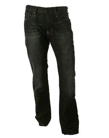Donkerblauwe jeans kunnen lelijk afgeven op je leren bankstel, leren tas of schoenen.Veeg de vlek er makkelijk af met een (olie) babydoekje! #tip #huishouding. Wil je meer tips? Check: www.hulpstudent.nl