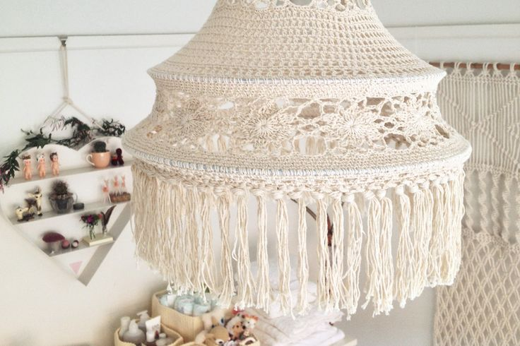 how to get a pretty boho lamp on budget, you make one yourself! just on top of some random old lamp
