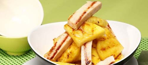 Receita de Abacaxi com peru fumado. Descubra como cozinhar Abacaxi com peru fumado de maneira prática e deliciosa com a Teleculinaria!