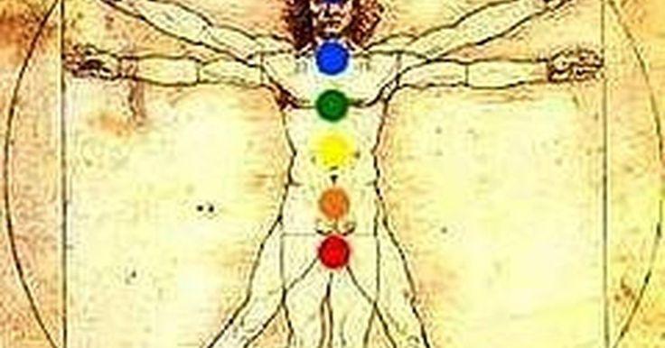 Como meditar usando as pedras dos chakras. A interação entre a meditação e as pedras dos chakras é um meio natural para fins de cura. Os neurocientistas têm comprovado a eficácia da meditação para aliviar o estresse, a ansiedade e a depressão leve. Além disso, tudo está relacionado à energia, e o sistema dos chakras faz parte de uma antiga crença chinesa em que cada ser humano possui ...