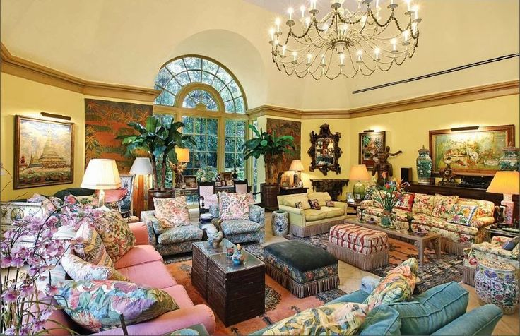 Inside Lilly Pulitzer's home, and a recap of her estate auction!
