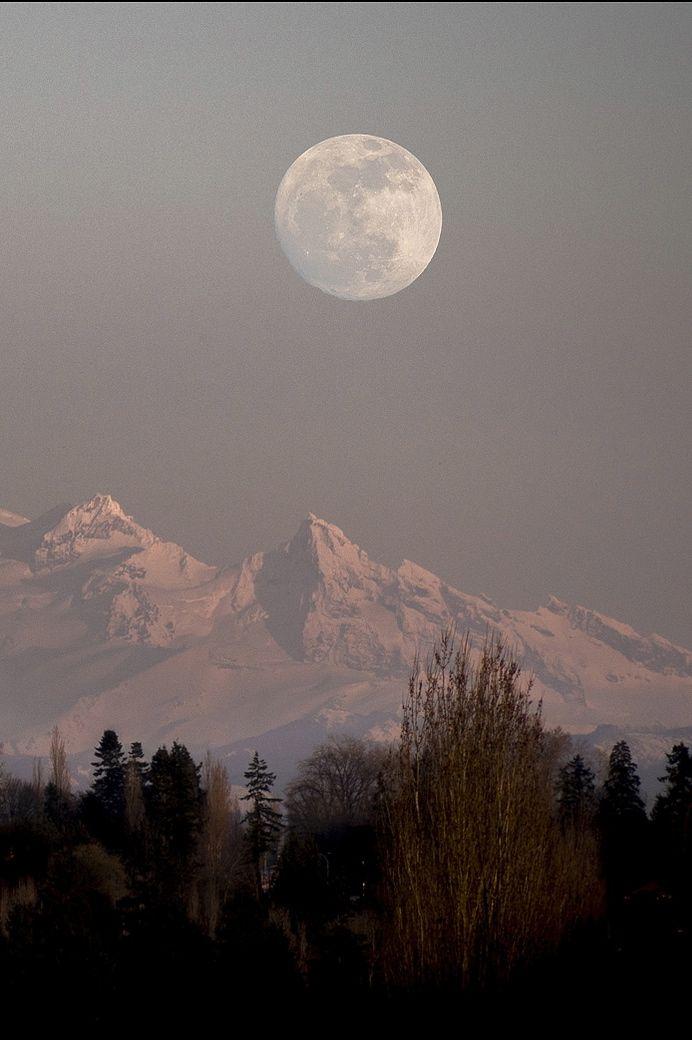 Mt. Baker, WA Full Moon