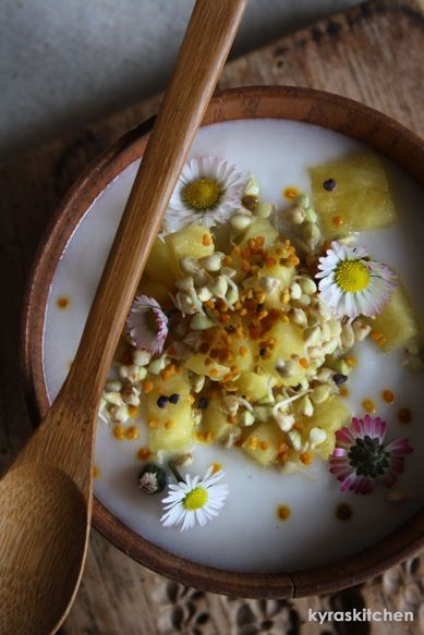 SUNSHINE BREAKFAST BOWL (and how to make your own fermented coconut yogurt!)