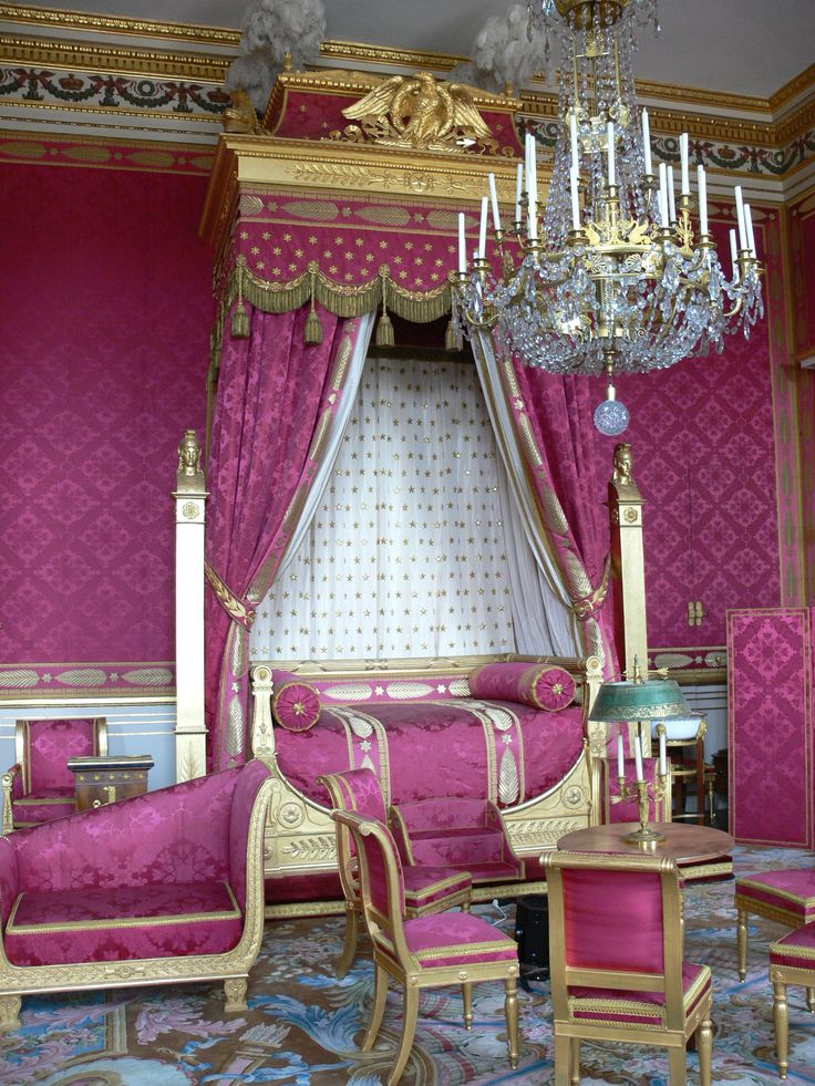 Bedroom in Compiegne Castle (France).