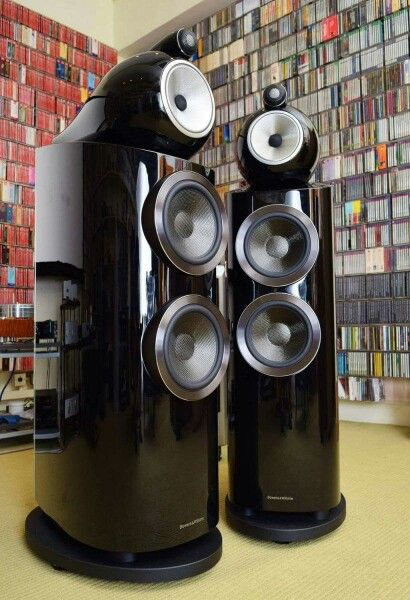 B & W 800 D3 series speakers
