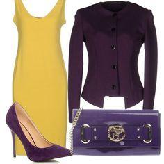 Il viola è il protagonista di questo outfit elegante , composto da un vestito con semplicissimo giallo pallido, accostato ad una giacca viola, come le scarpe dècolletè con tacco altissimo e la pochette in vernice lucida.