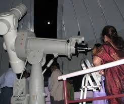 Students viewing through a huge telescope. #nehru #planetatrium #kids #visit #fieldtrips #enjoy #fun