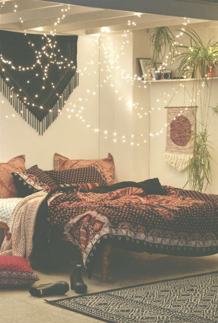 bedroom decoration boho-hippie-romantic-furnishing-light-chains.-oriental ... #frisyrer #philosophy #nouvellecoiffure #hairstyle