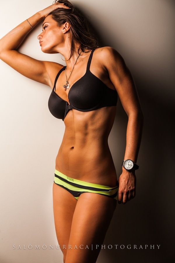 Okay I don't usually re pin pictures of fit women, but this is a great bod