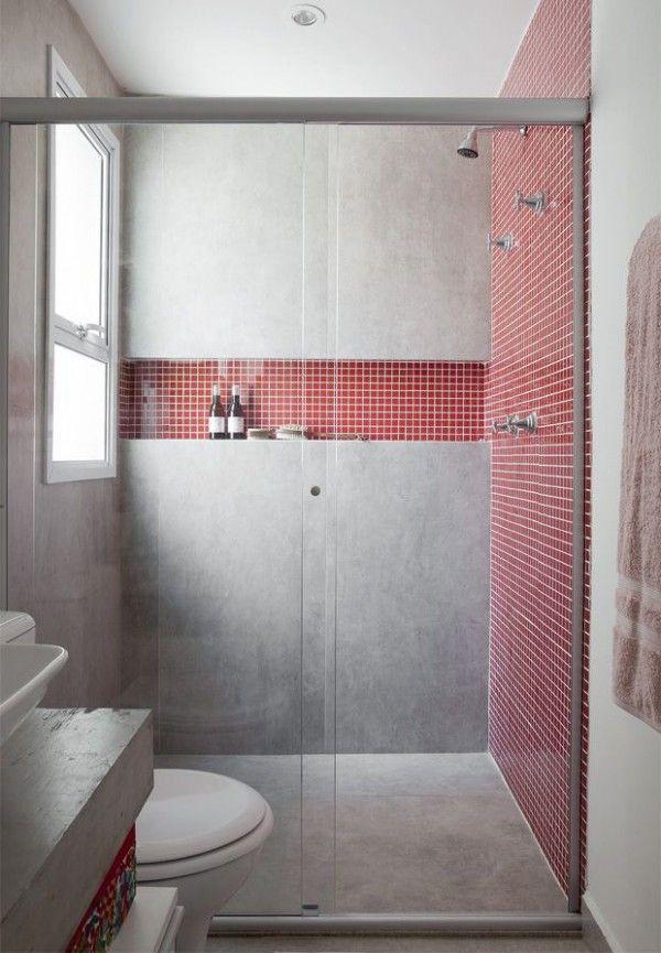 Petite salle de bain béton ciré et carrelage rouge. 34 Idées De Petites Salles de Bains : http://www.homelisty.com/petite-salle-de-bain-34-photos-idees-inspirations/