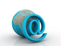 Η ιστορία του συμβόλου@ [at], ή σε απλά ελληνικά, παπάκι και πώς κατέληξε στην διεύθυνση email, από τη Μελπομένη Σιδέρη στο blog της http://melpsid.blogspot.gr/2012/08/at-email.html#
