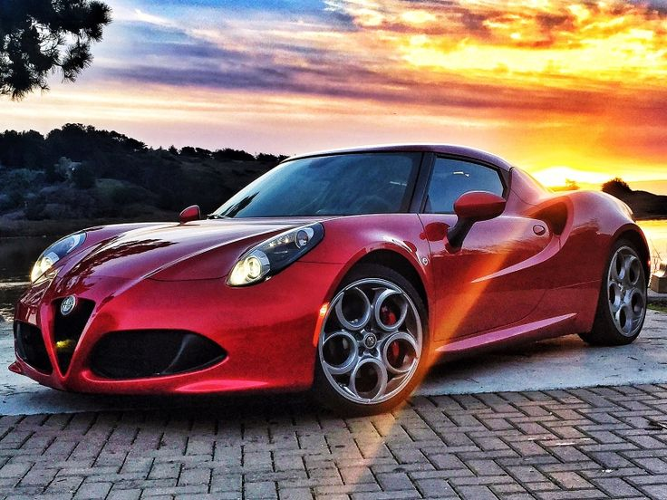 Alfa ROmeo 4 c....You little beauty!! I love Cool cars http://hectorbustillos.weebly.com/