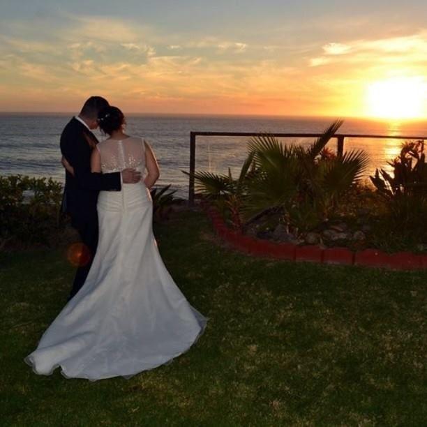 Si deseas realizar la boda de tus sueños frente al mar, en #Rosarito encontrarás una gran variedad de fascinantes lugares que te enamorarán Conoce más visitando www.rosarito.org/es/actividades/bodas #Bodas #Wedding #Amor #Love #Beach #Playa #Mar #Sea #BajaCalifornia #Baja #BC #DiscoverBaja #DescubreBc #EnjoyBaja #DisfrutaBC #Sunset #Atardecer Aventura por danushami
