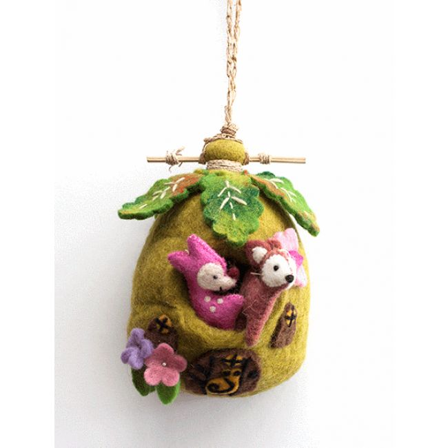 Don't you just love felt? We do too! We recently received this beautiful felt hanging home featuring two adorable forest creatures! This hanging home will bring whimsical charm to any room, and the little characters will be enjoyed in free play. There are four different homes to choose from. #nicnac #rainbowsandclover #felt #forest