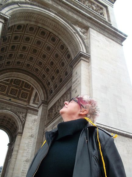 Paris Arc de Triomphe and oracle Dariussa * Hungarian Sibyls in Paris, remembering mlle Lenormand, esoteric Tour * www.lenormand.hu