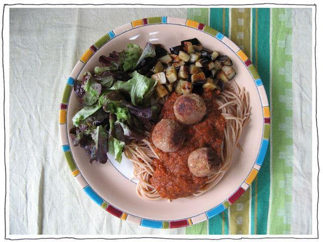 Door het keukenraam: Tonijnballetjes