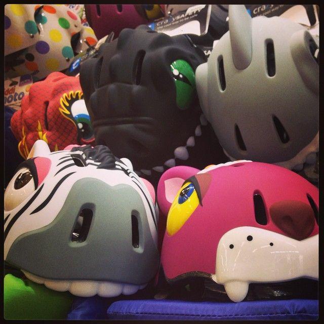 Nieuw in onze winkelrekken: de beestige fietshelmpjes van Crazy Safety! http://prds.io/beestigehelmpjes
