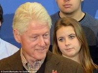 Backfire, Fangirls Make Faces Behind Bill Clinton, Call Him Womanizer.....Just What We Need In The White House. Where's His Energizer Girlfriend??