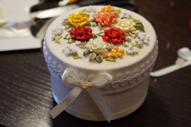 "Шкатулка ""Прекрасные розы"". Handmade. Embroidery ribbons. Box ""Beautiful Rose"""