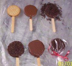 #festasinfantis pirulito de chocolate e brigadeiro