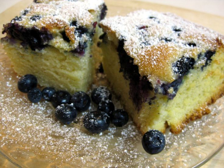 Slovak Recipes: Bubbly Cake (Bublanina) filled with blueberries (or fruit of your choice) and dusted with icing sugar