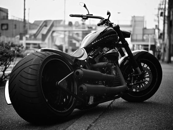 based on Harley-Davidson Night Train 2006