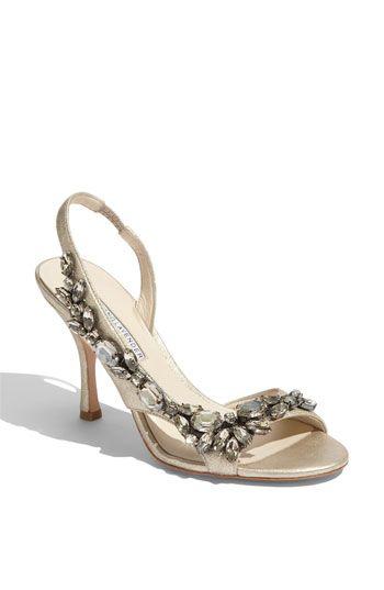 Vera Wang #wedding #bridal #heels