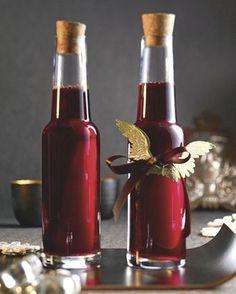Ein Likör mit Rotwein, Rum und Kaffeebohnen - Kaffee-Likör nach brasilianischer Art