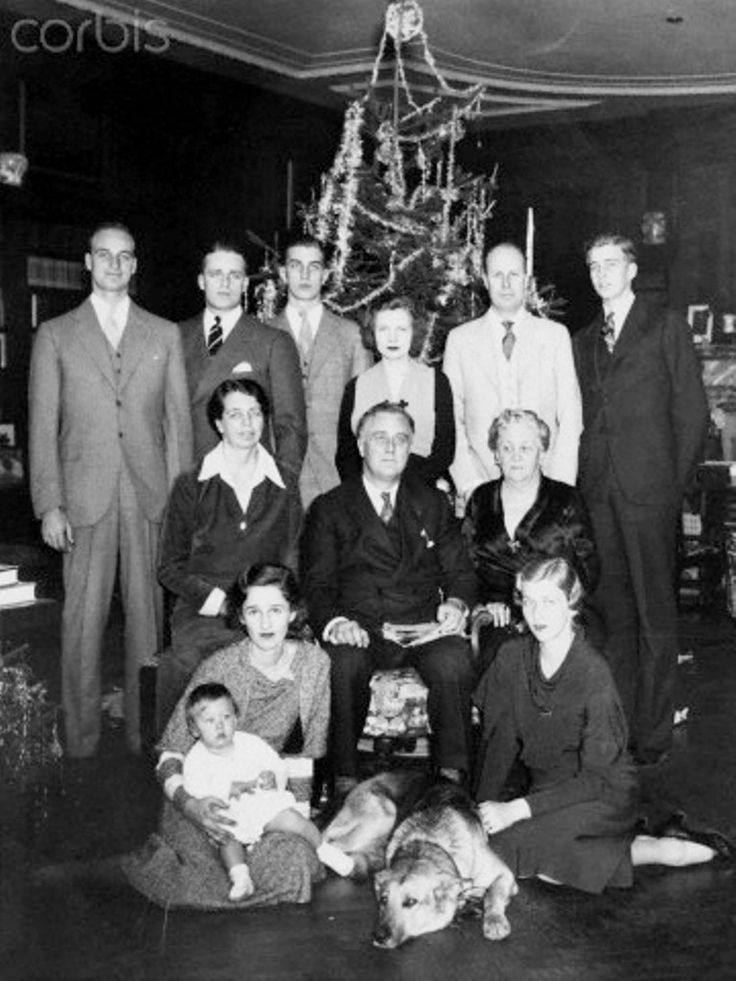 Roosevelt Family Portrait at Christmas 1932 ❤❁❤❁❤❁❤❁❤❁❤ http://www.fdrlibrary.marist.edu/aboutfdr/biographiesandmore.html  http://en.wikipedia.org/wiki/Eleanor_Roosevelt  http://en.wikipedia.org/wiki/Franklin_D._Roosevelt  http://www.historichydepark.org/  http://en.wikipedia.org/wiki/Home_of_Franklin_D._Roosevelt_National_Historic_Site