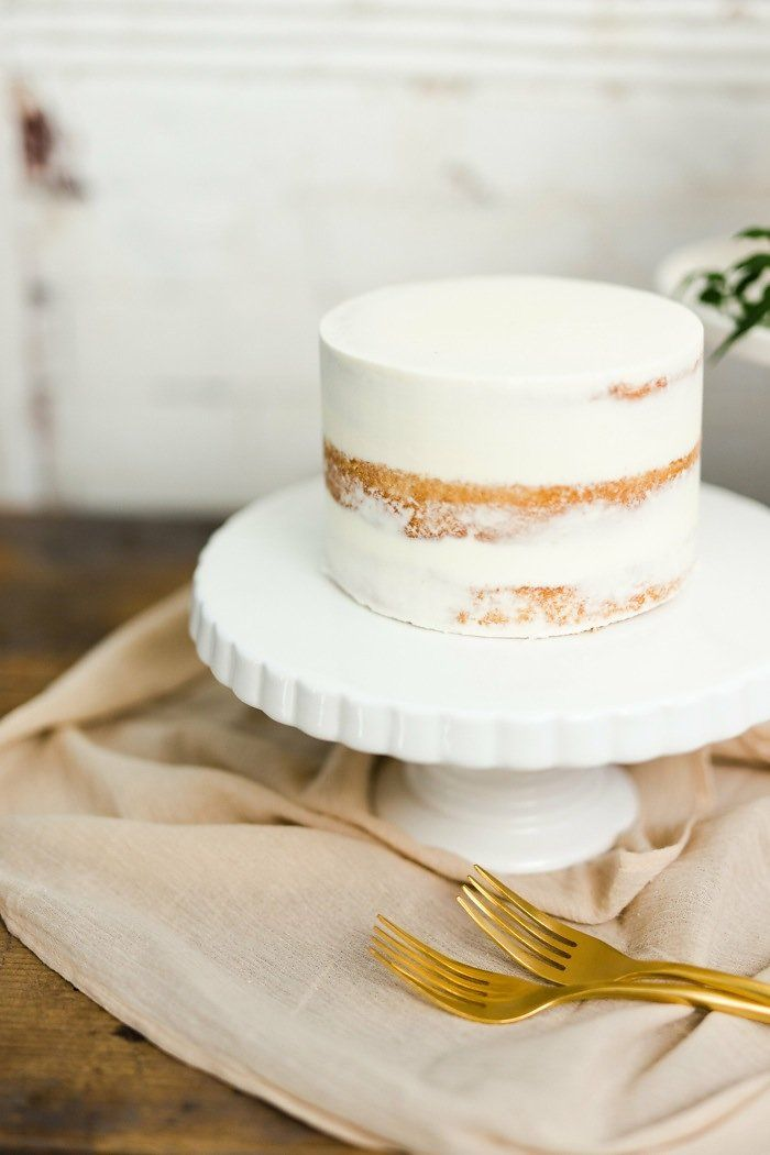 Ivy and Honor || Once Wed || Minimalist Wedding || Modern Cake Table || Baltimore Wedding || Naked cake || White Glove Rentals || Sweets by E || White small wedding cake