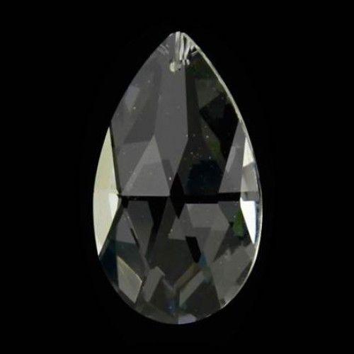 Kristallen regenboog druppel hanger 8 cm De kristal druppel wordt geleverd met een ruim stuk transparant touw zodat u deze op elk gewenste hoogte op kunt hangen.  Afmetingen: 4 x 8 cm