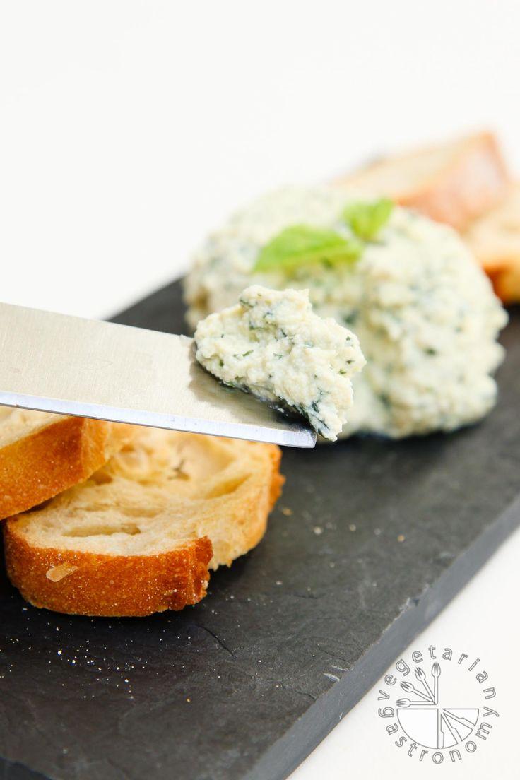 garlic basil vegan ricotta cheese spread-4