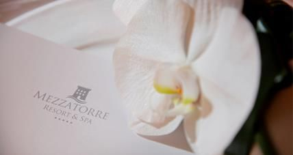 Details of a special day at the Mezzatorre Resort & Spa