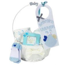 Bebeğim uyuyor ekonomik bebek hediye sepeti www.bezpastaci.com da bebek hediye sepetleri çok renkli...